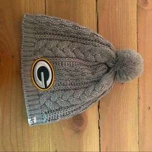 Like new knit packer hat with Pom on top